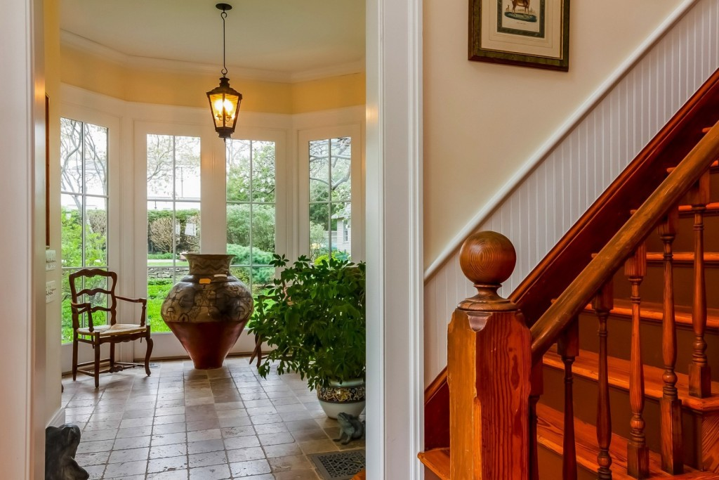 11362205_4_front_foyer