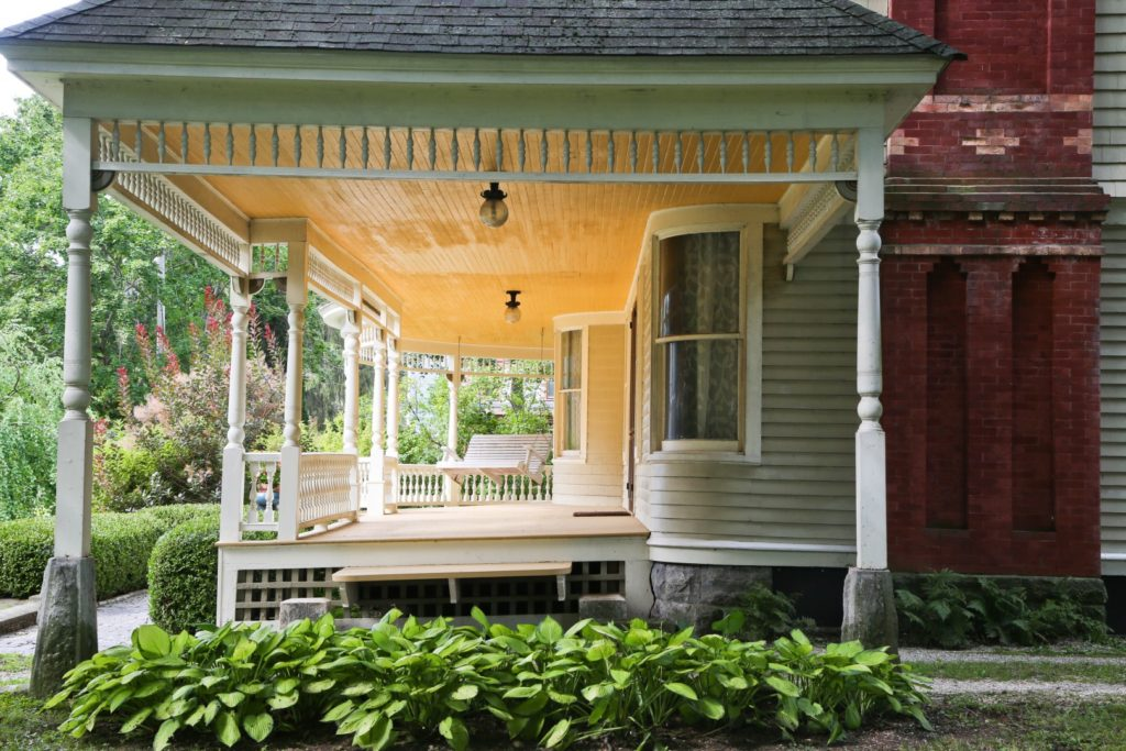 12070888_1_-_main_house_-_front_porch